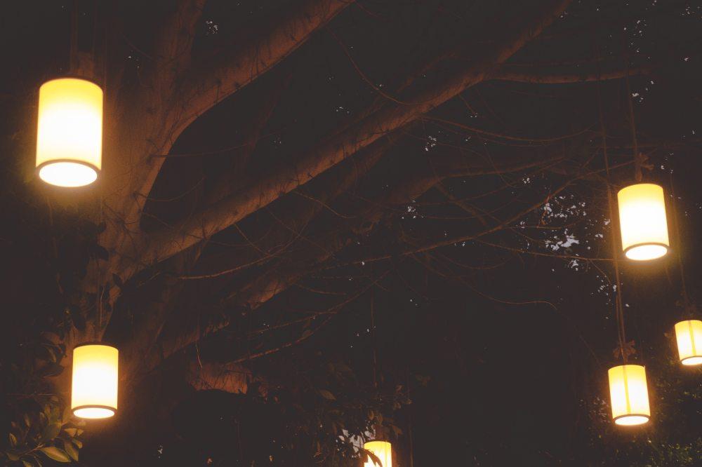 blur-bright-bulb-517985